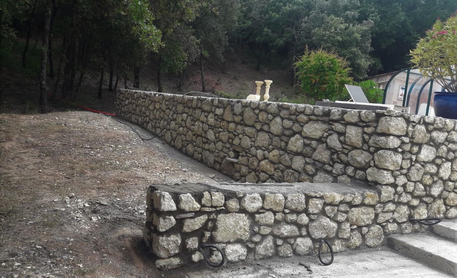 pierre local de cassis